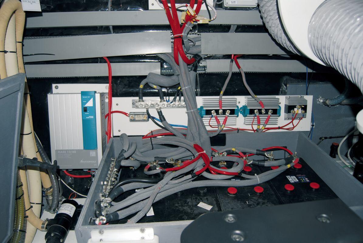 Jedan razdjelnik za puno akumulatora