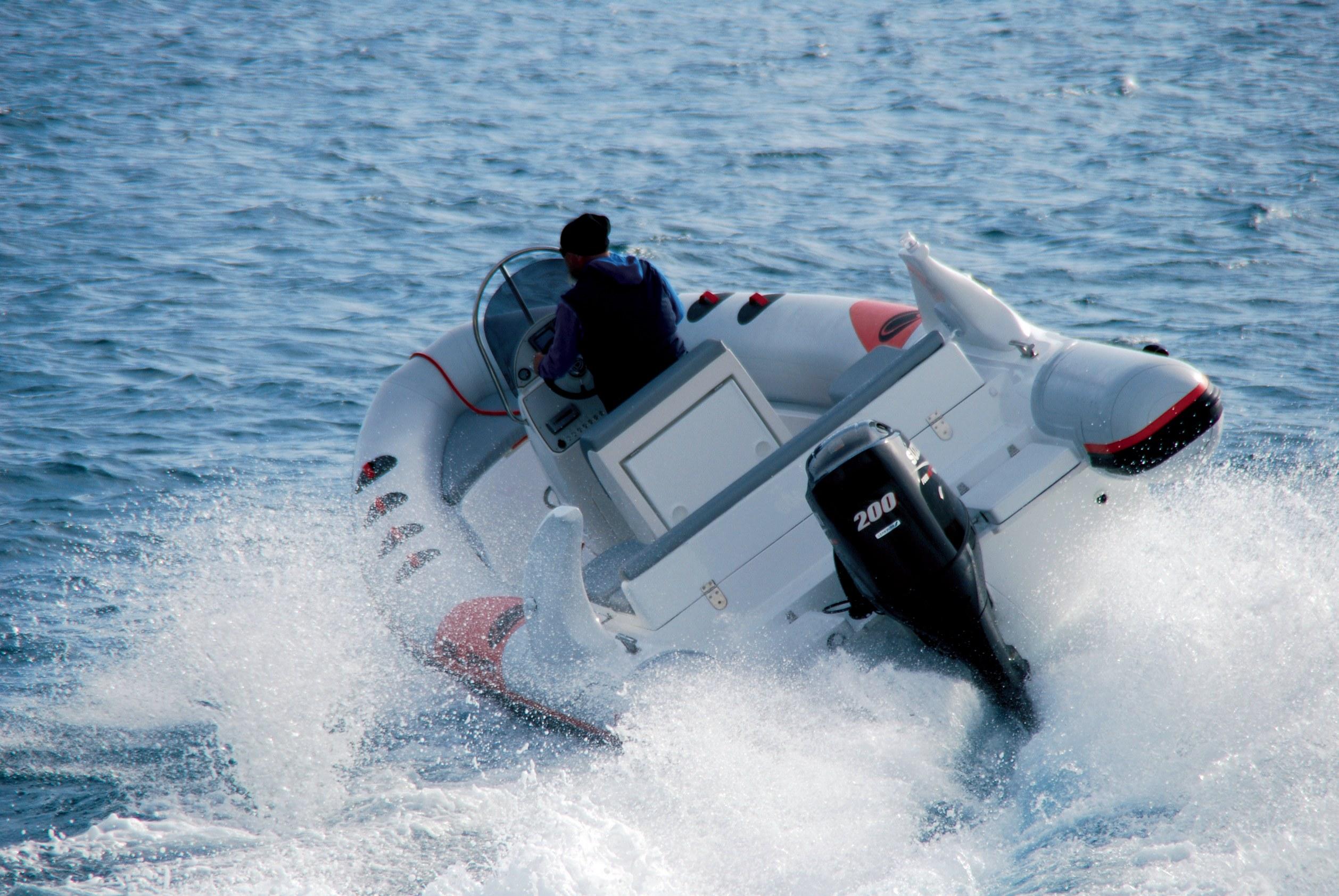 Hidrodinamika: Manevriranje plovilom