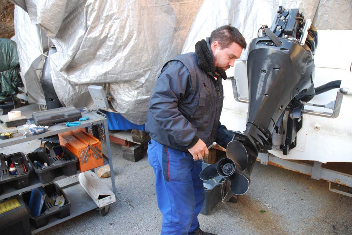 Postupak čišćenja motora od kamenca