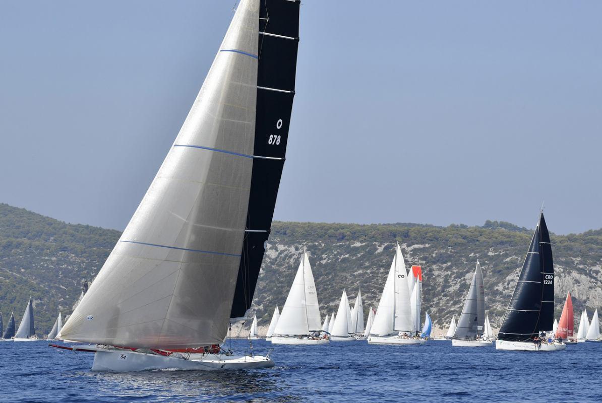 Molo Longo Tutta Trieste po treći put najbrži na 74. Viškoj regati