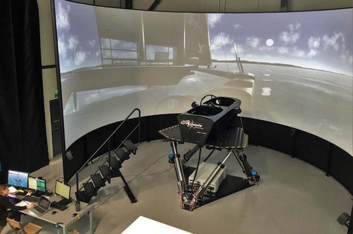 Simulator jedrenja