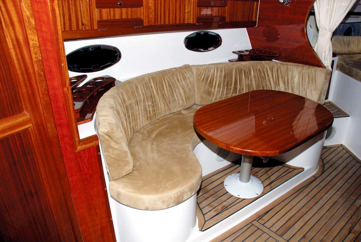 Oblikovanje brodske kuhinje i blagovaonice