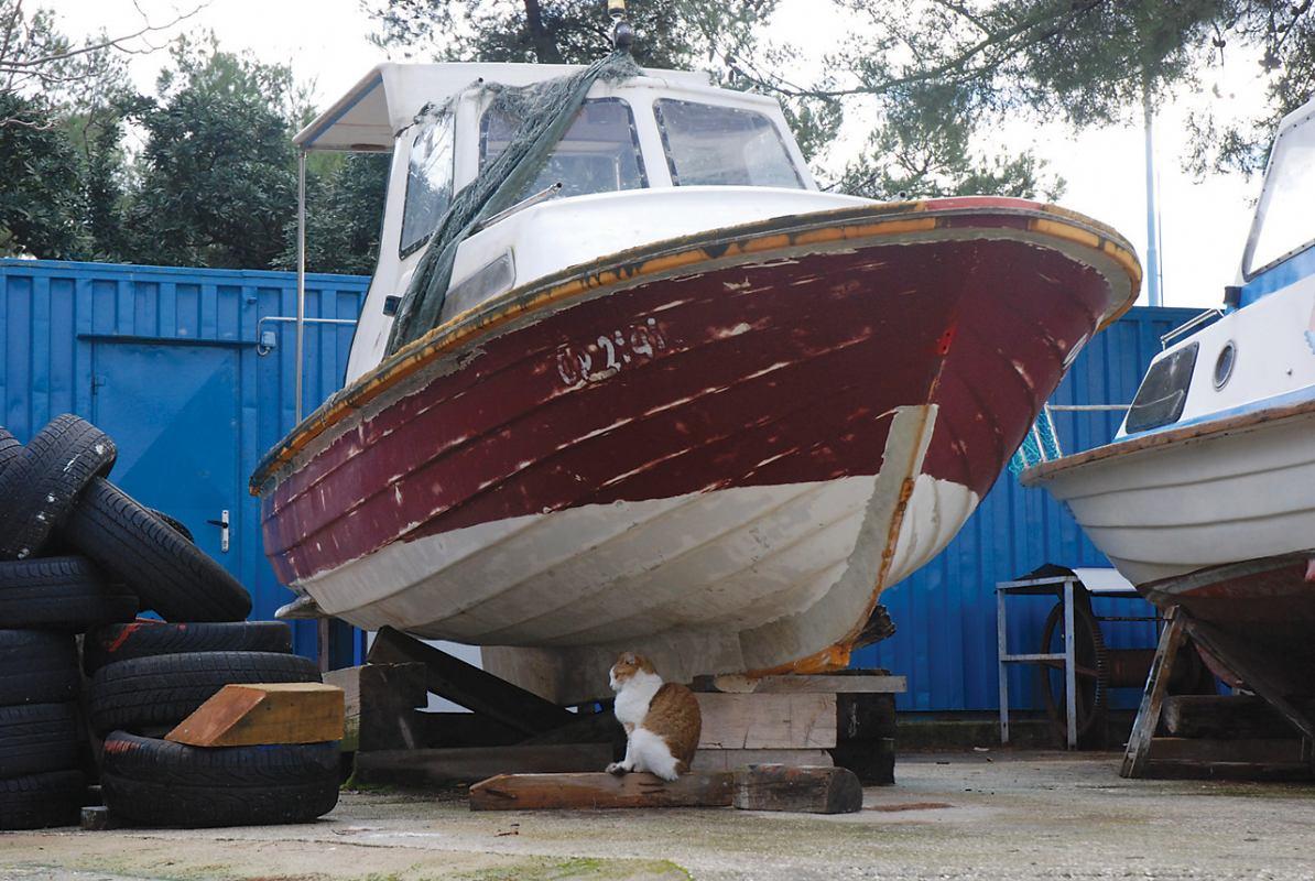 Polovna barka i uređenje