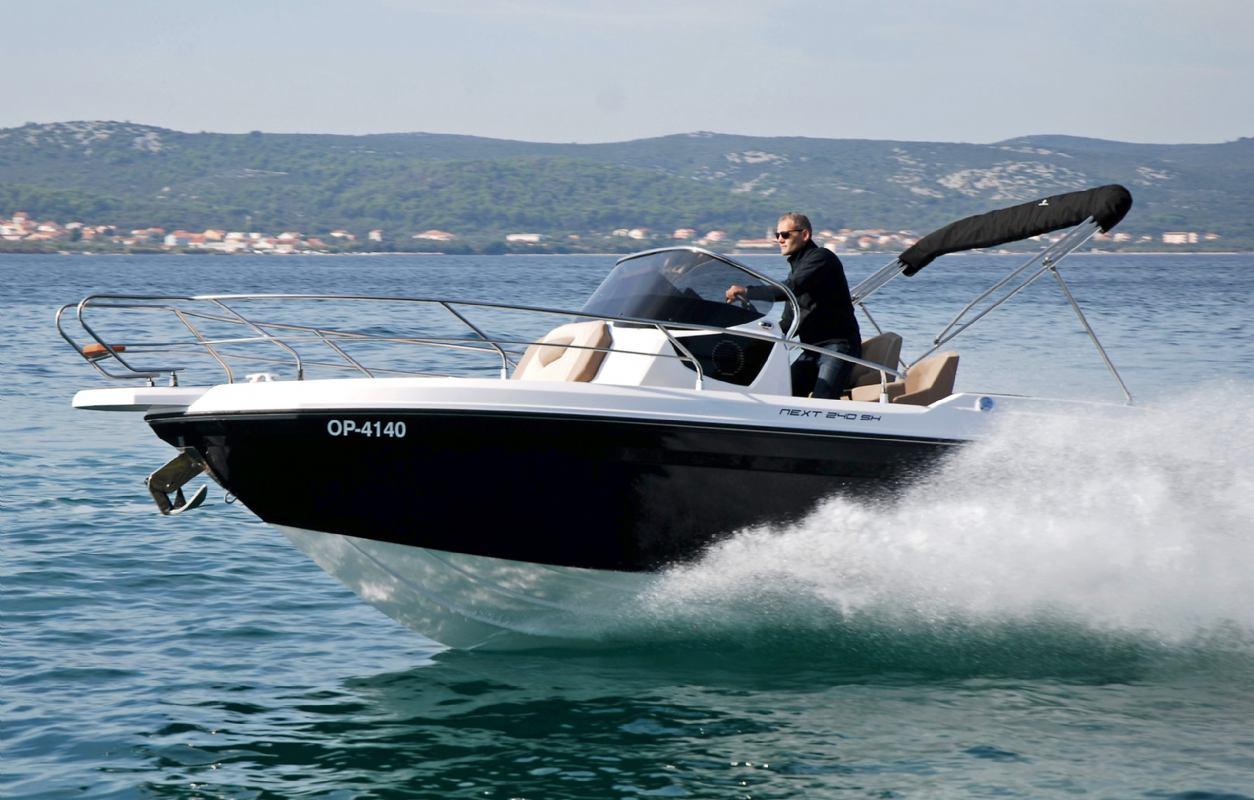Ranieri Sundeck NEXT 240 SH