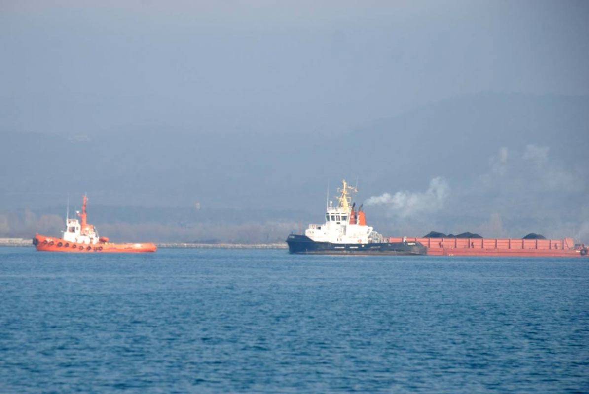 Sustav ispušnih plinova na plovilu