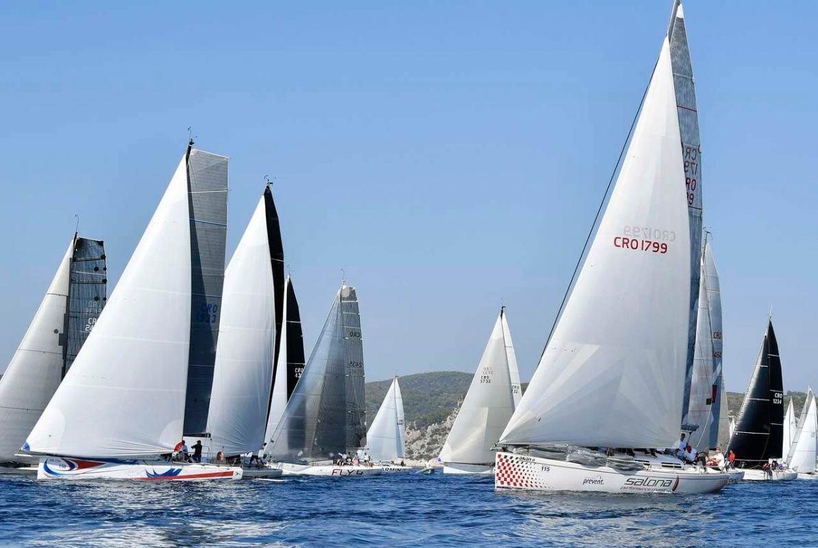 Viška regata ponovno okuplja više od 1.000 jedriličara iz cijele Europe