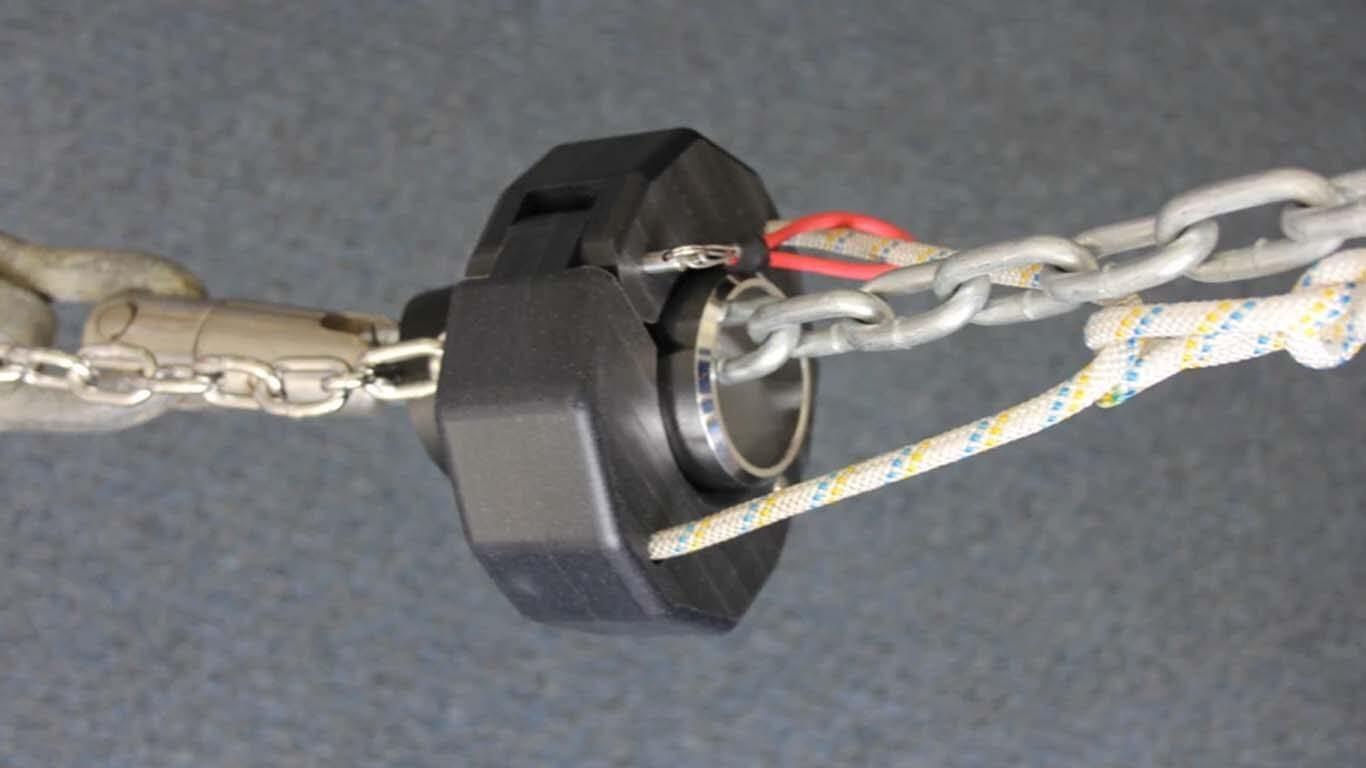 Isplati li se nabaviti sustav za spašavanje sidra ili piliti lanac i rezati sidreni konop?