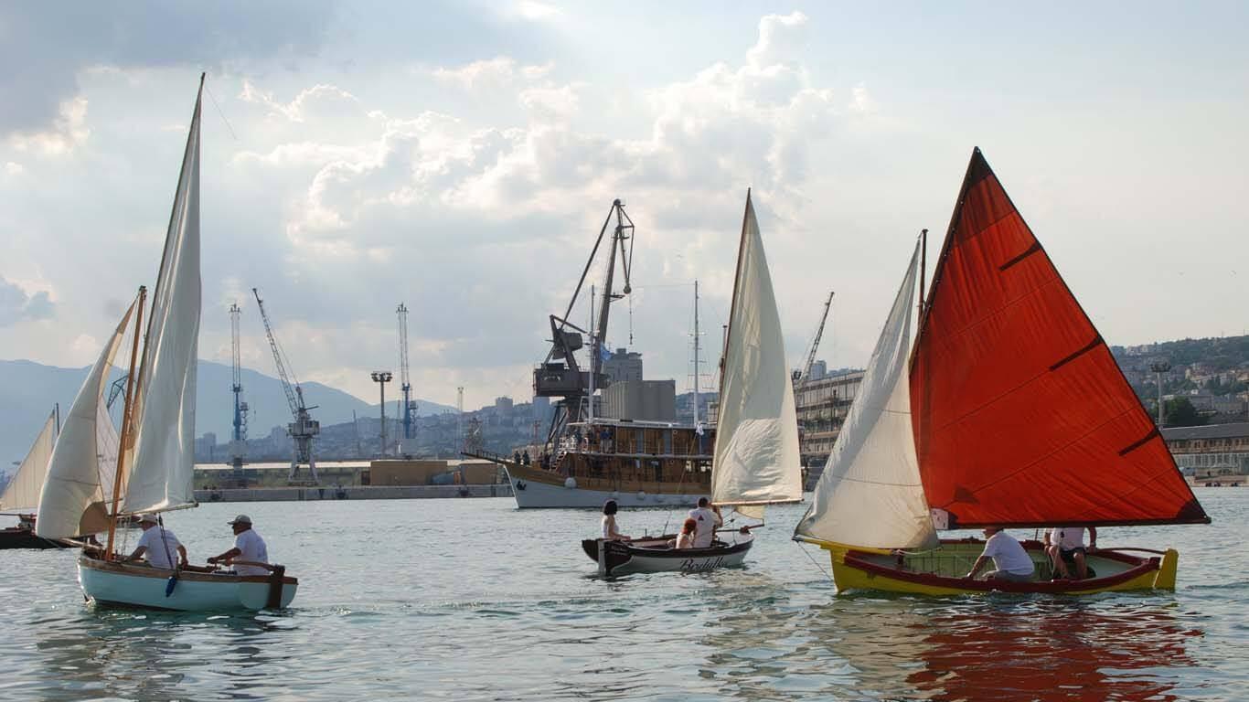 Tradicijske barke u ceremoniji otvaranja Europske prijestolnice kulture