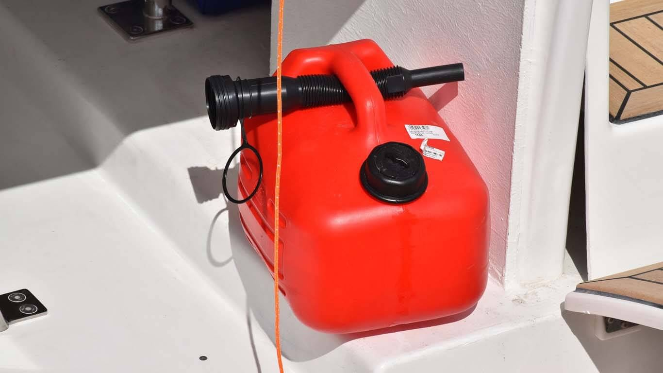 Kako ugraditi veći spremnik goriva na gliseru?