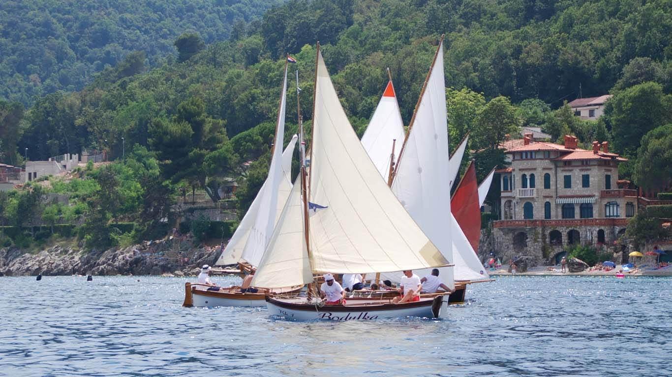 Otkazana regata tradicijskih barki u Mošćeničkoj Dragi