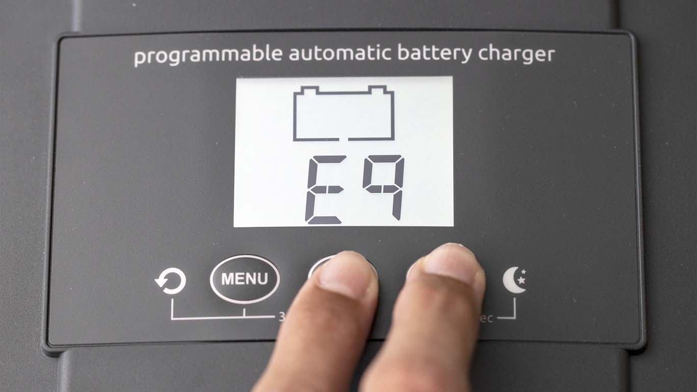 Tri baterije  jednim punjačem