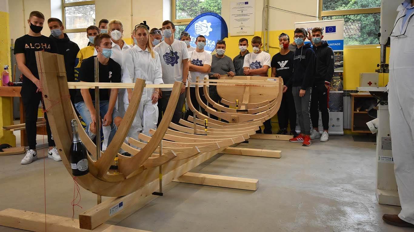 Položena kobilica nove tradicijske barke!