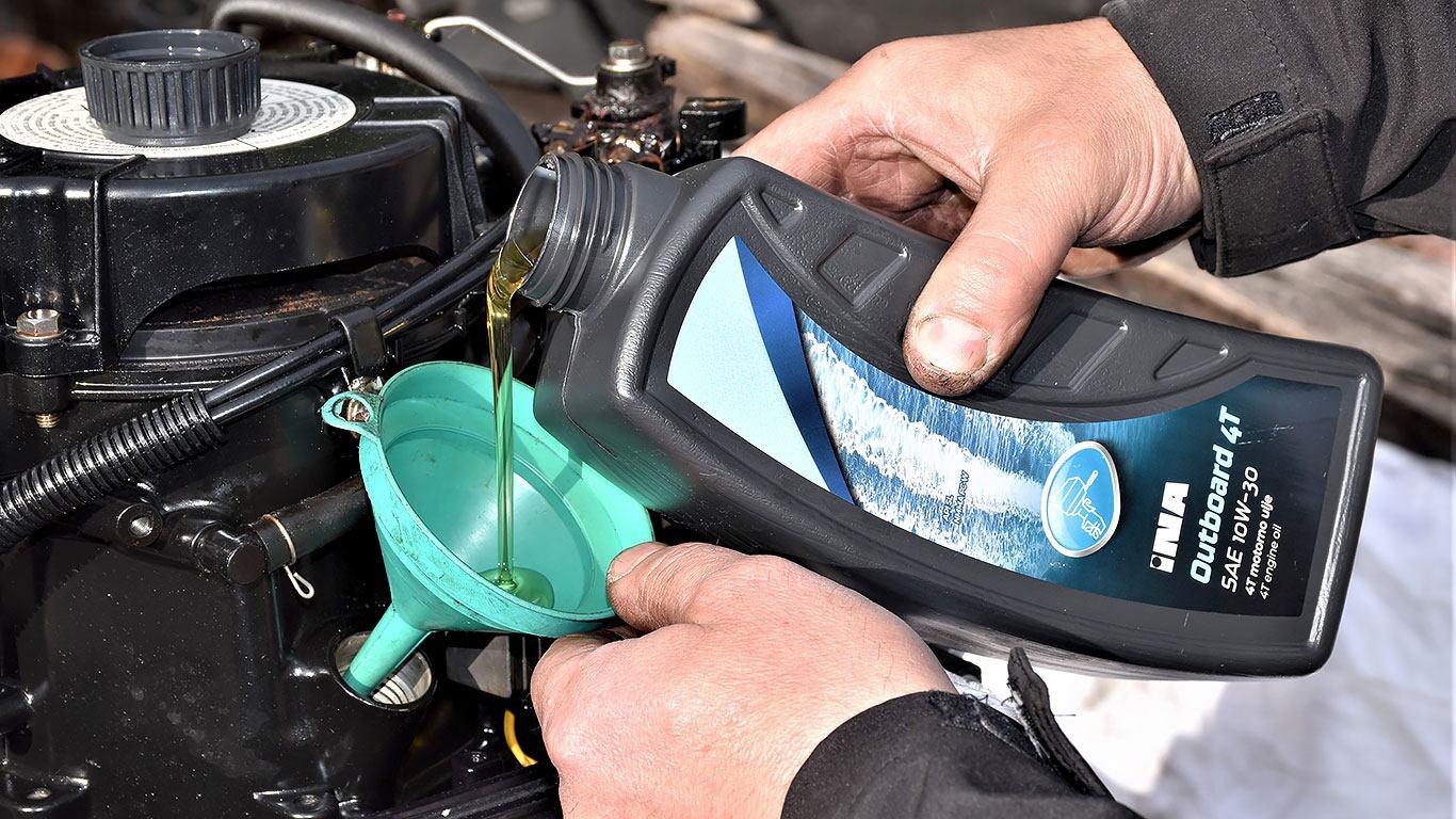 Zamjena ulja u prijenosnom generatoru i izvanbrodskom motoru