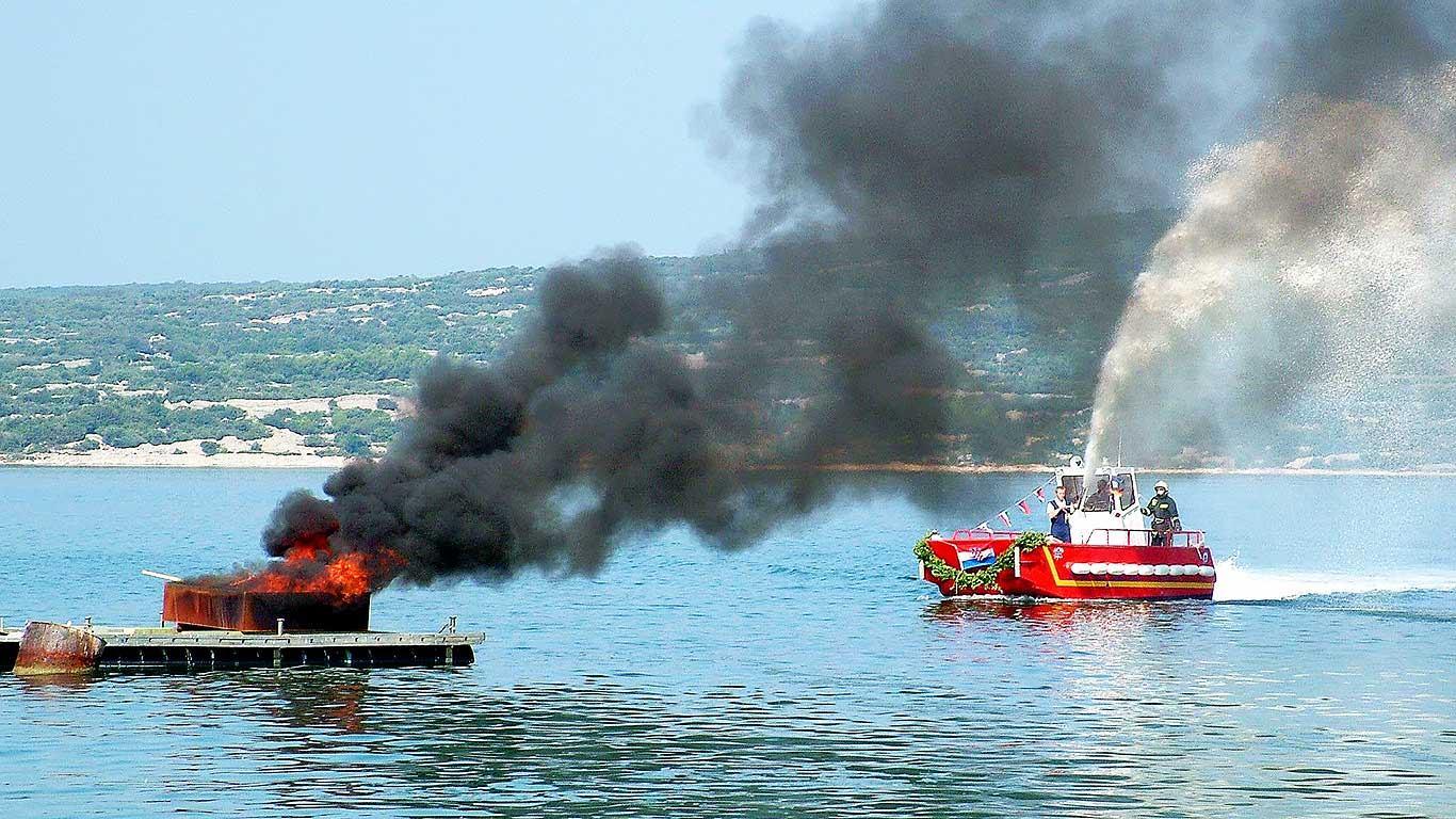 Požar u Marini Kaštela: Postupak osiguranja dokaza kod požara broda