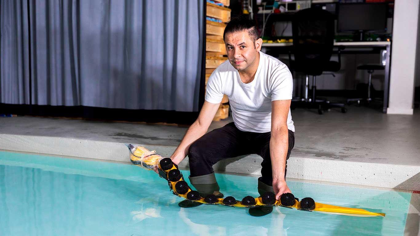 AgnathaX plivajući robot