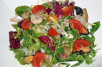 Salata od kozica i školjki